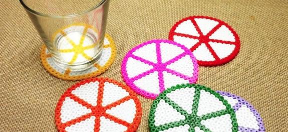 Posavasos hechos con hama beads
