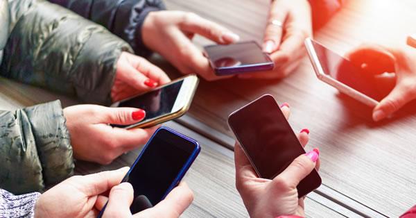 ¿A qué edad es recomendable que los niños tengan móvil?