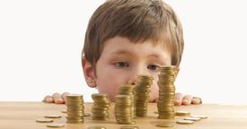 ¿Cómo podemos enseñarle a administrar su dinero?