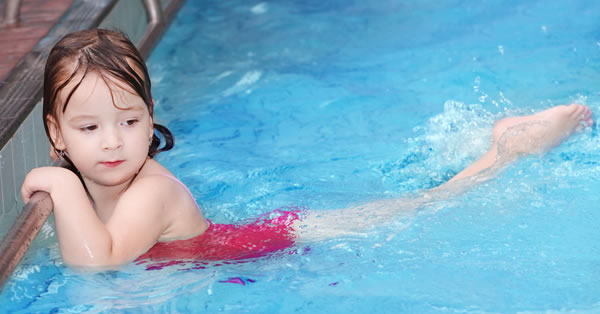Cómo prevenir los Hongos en la piscina