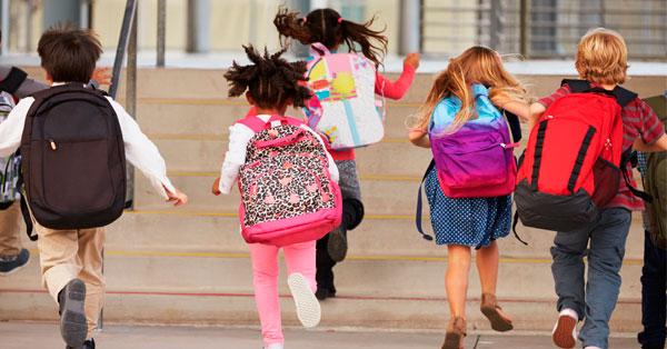 ¿Cuándo podemos dejar a los niños ir solos al cole?