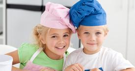 Deja que los niños te acompañen en la cocina... ¡todo son ventajas!