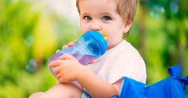Saciar la sed de los más pequeños. Opciones de bebidas saludables