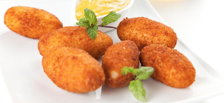 Croquetas de pollo y jamón caseras