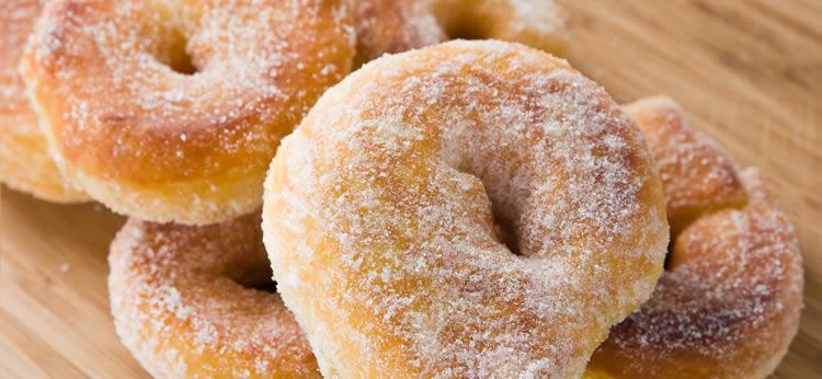 Donuts caseros con glaseado de azúcar
