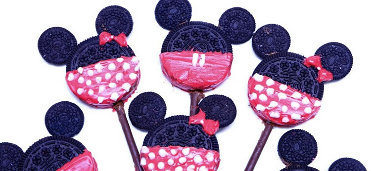 Galletas Mickey Mouse hechas con Oreo