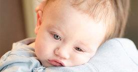 Causas y tratamiento de los vómitos en niños