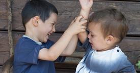 Cómo actuar frente a las peleas entre hermanos