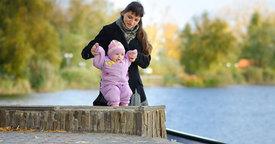 Cómo ayudar al bebé a dar sus primeros pasos