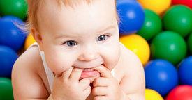 Cómo prepararse para los primeros dientes del bebé