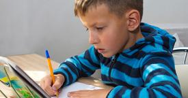 ¿Debemos premiar a nuestros hijos por sus buenas notas?