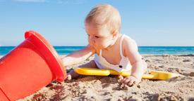 El primer día de playa con tu bebé