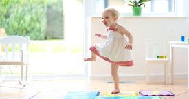La novedad de la danza en los bebés
