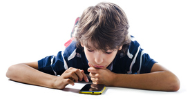 Su primer móvil: edad y consejos para un uso responsable