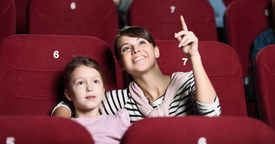 Su primera vez en el cine: guía para que se porte bien